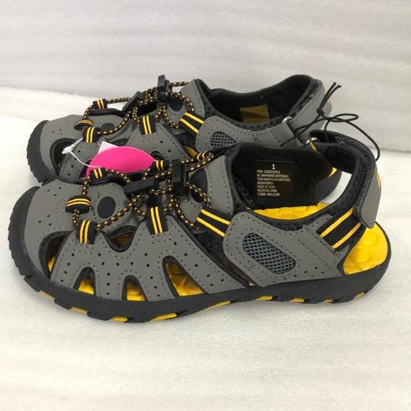 6a4a755e775d NWT Khombu boys river sandal adjustable Velcro